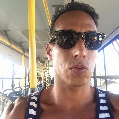 Eduardo Martinez 25's avatar