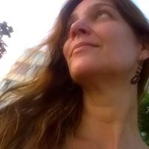 Luiza Voigt's avatar