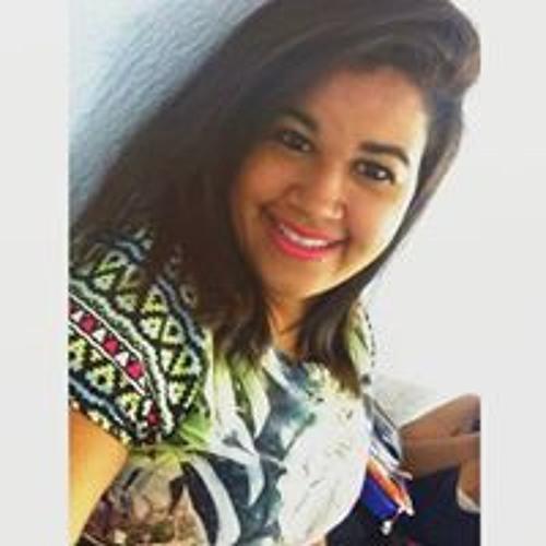 Camila Paiva's avatar