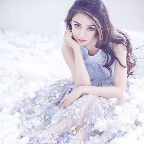 Aeera Abeer's avatar