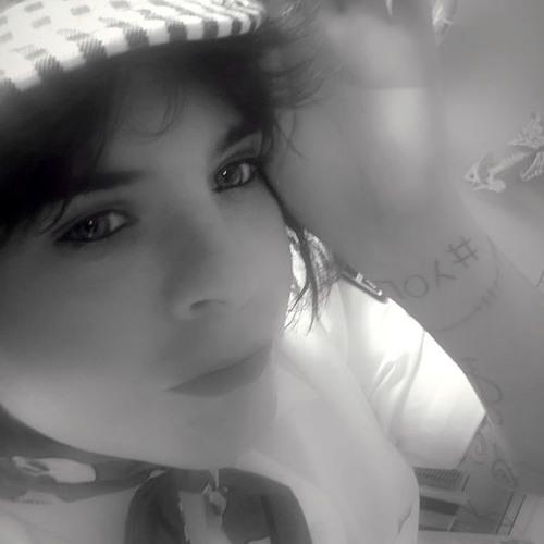 Cheza Rose's avatar