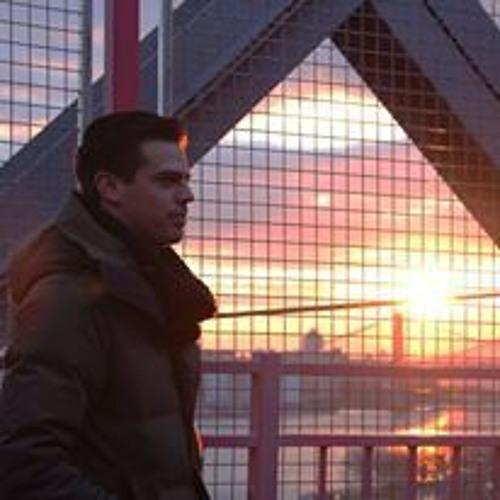 Daniel J Naylor's avatar