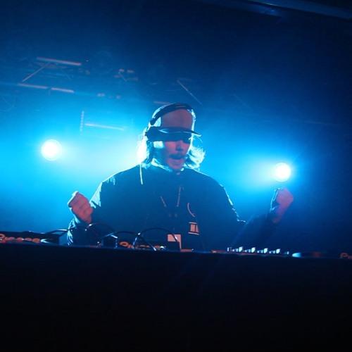 Lars Lennox's avatar