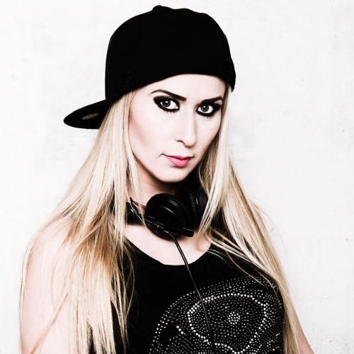 DJane Nikaa's avatar
