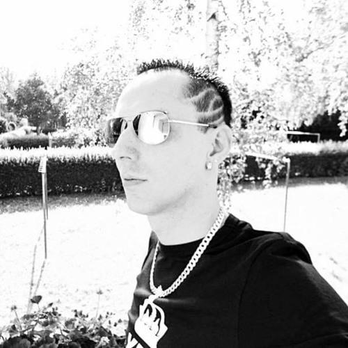 Basti@Fanatikk's avatar