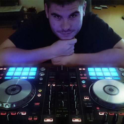 Maxime Mix's avatar