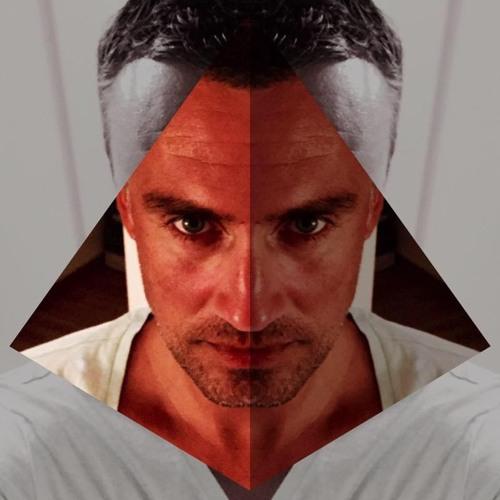 Chris Cool's avatar