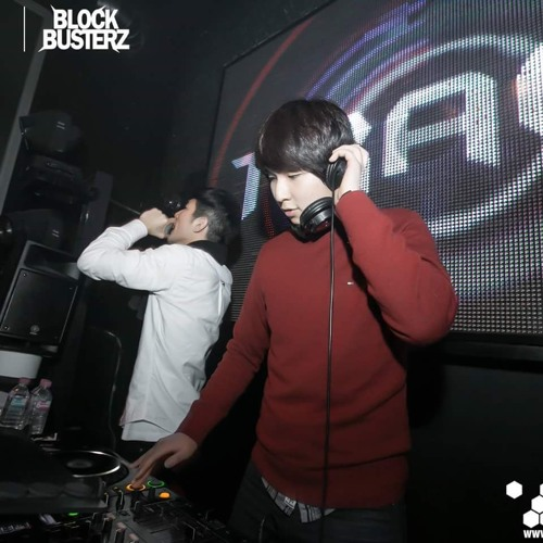 DJ Trace.'s avatar