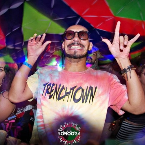 Douglas Peixoto's avatar