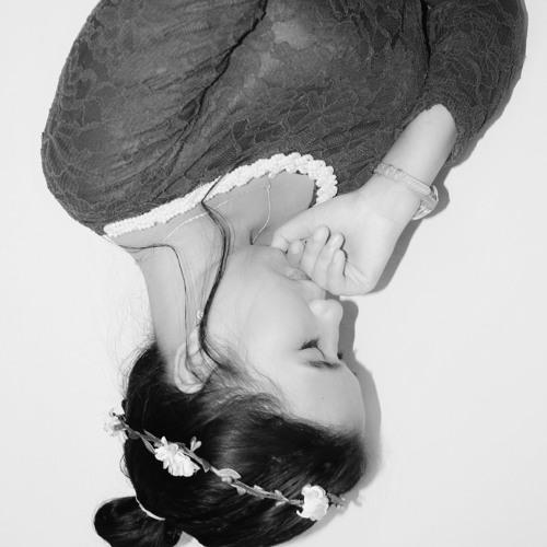 Ayu Anggun Sari's avatar