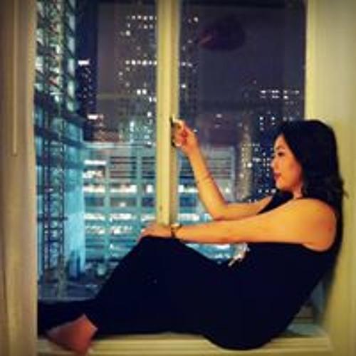Theresa Nguyen's avatar