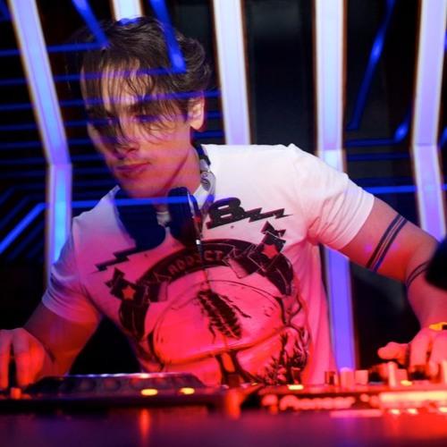 Røg3r Tavr3s's avatar