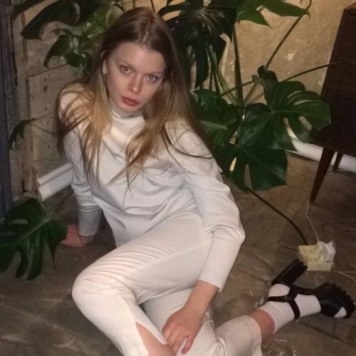 Anna Eva 1's avatar