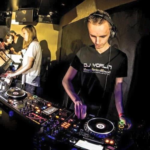 DJ Yorlin's avatar