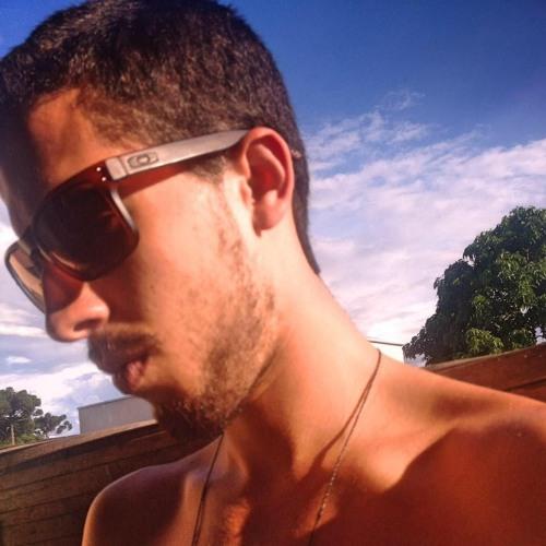 Renan Cabral 1's avatar