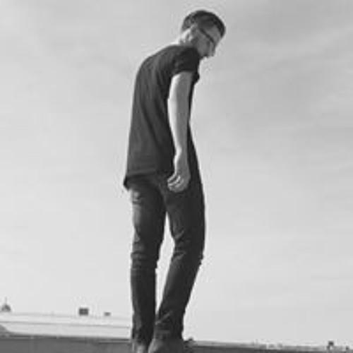 Daniel Love's avatar