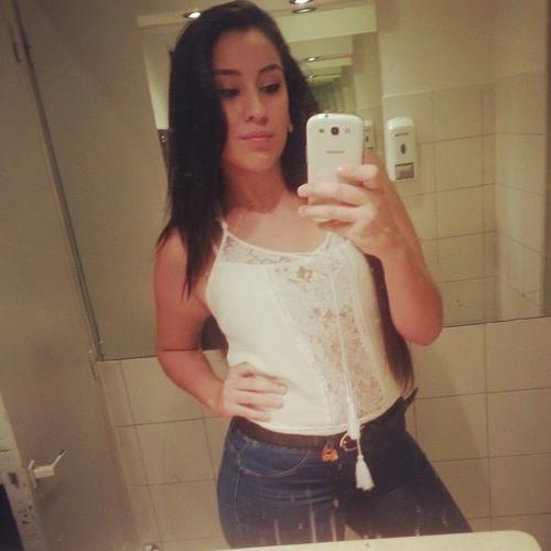 Luana Nataly's avatar