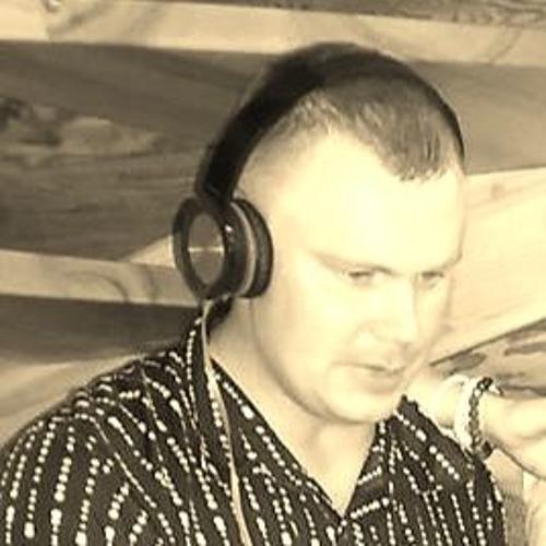 dj stoum's avatar
