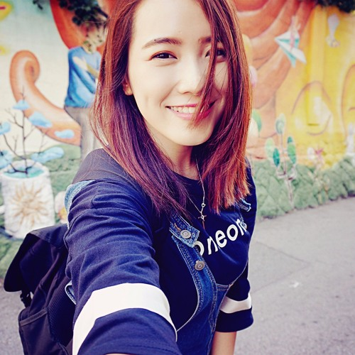 YiFen Tan's avatar