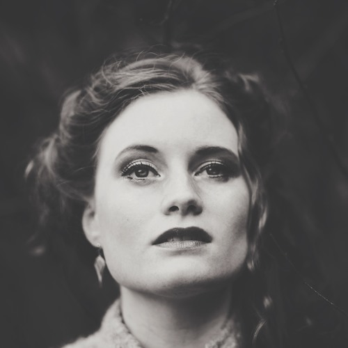 Rosie Hood's avatar