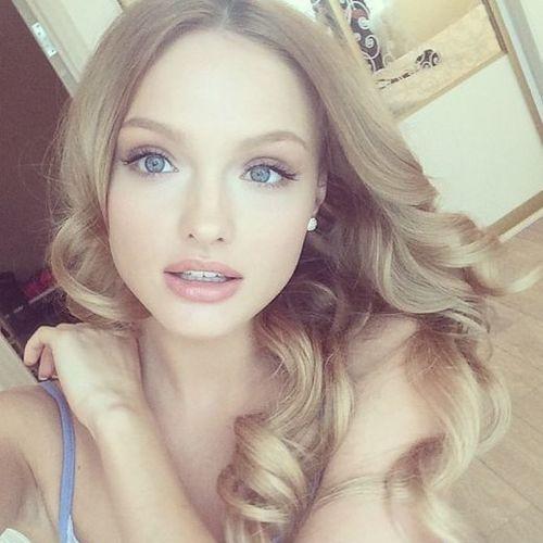 Carlaya's avatar