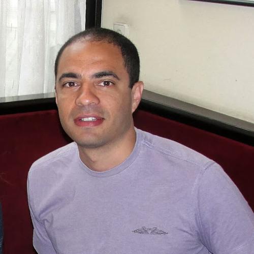Raul Santos's avatar