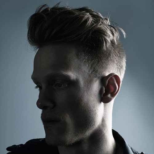 MAX_AUGUST's avatar