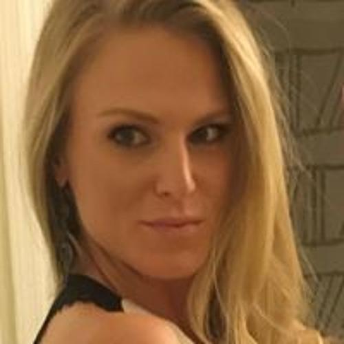 Andrea Marie's avatar