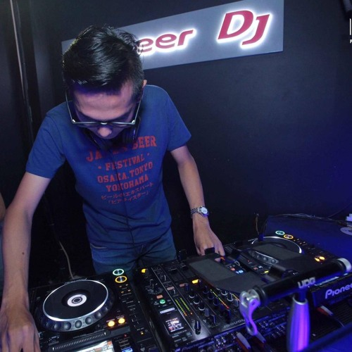 Denden Chandra - HUM (Original Mix) (Promo)