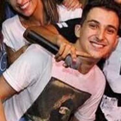 Lucas Guimaraes 18's avatar