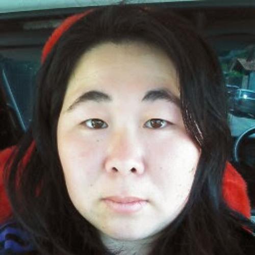 Juliana Watanabe's avatar