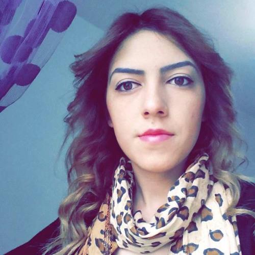 Hande Nur's avatar