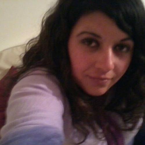 Romina R Silva's avatar