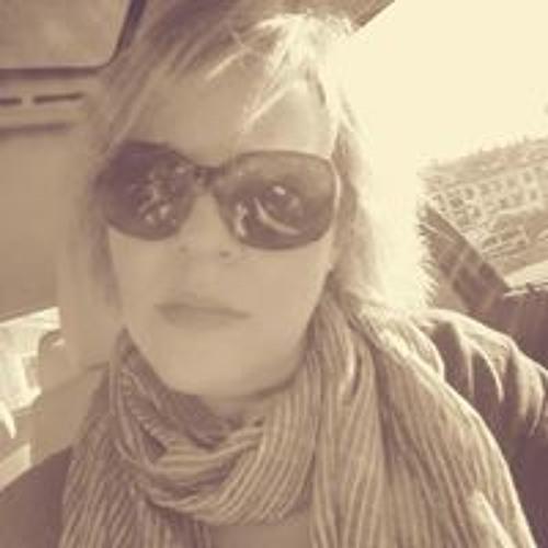 Mary Riveira's avatar