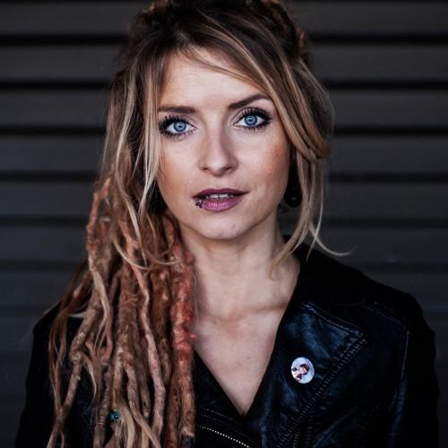 Sarah Lesch's avatar