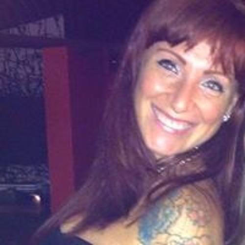 Adriana Campanhol's avatar