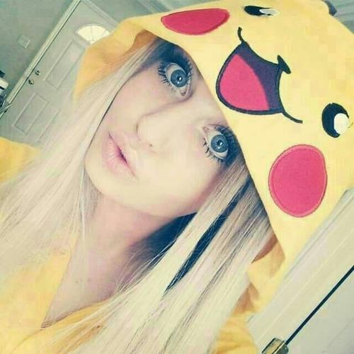 Kika Kazar's avatar