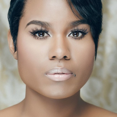 Crystal Nicole's avatar