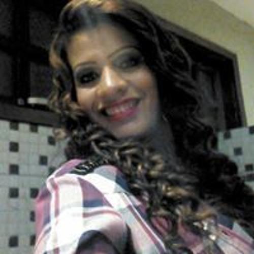Katia Carvalho's avatar