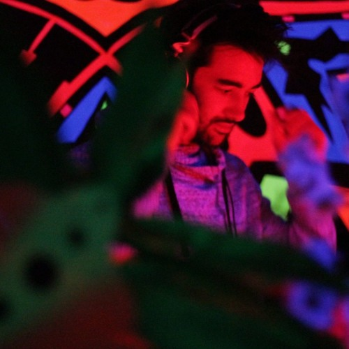 Ernesto Linares's avatar