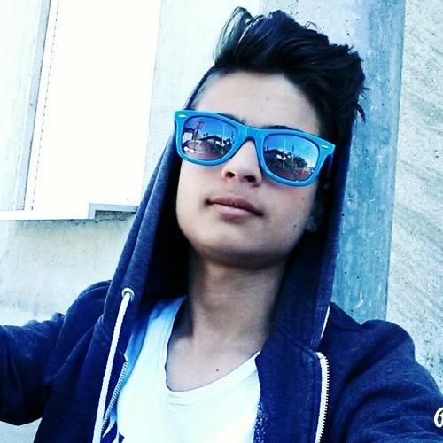 Michael Vallo Heng's avatar