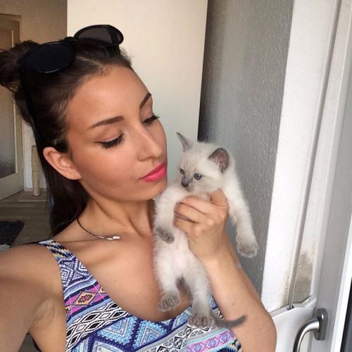 Rosa Milian Terrell's avatar