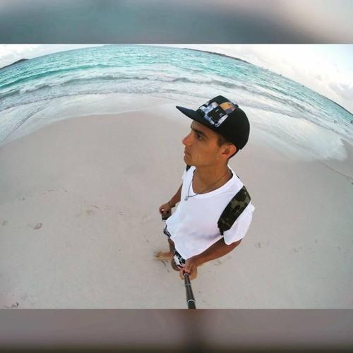 Alex Cle's avatar