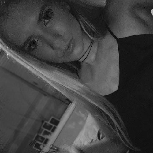 Chloe Aurisch's avatar