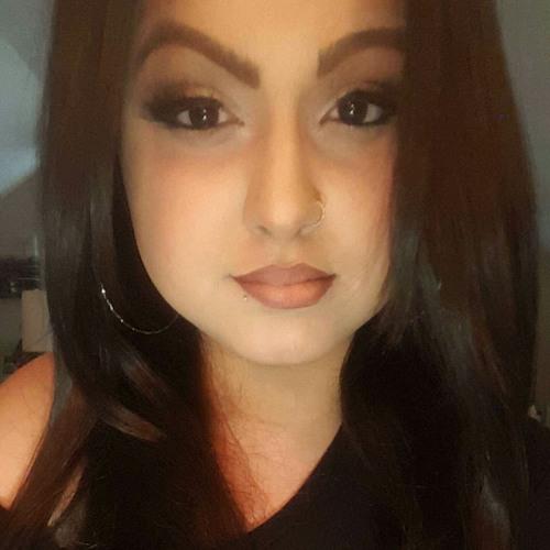 Erica V Lopes's avatar