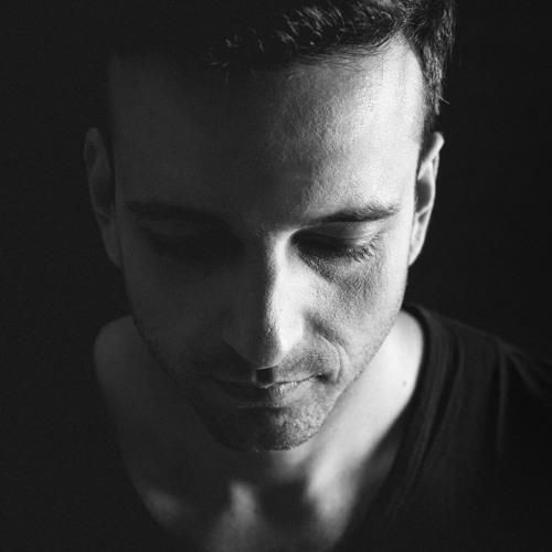 NICOLAU's avatar