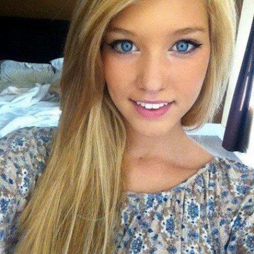 Ariana Ashley's avatar
