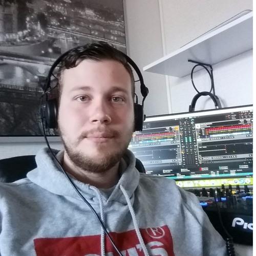 Ivan Tomic's avatar