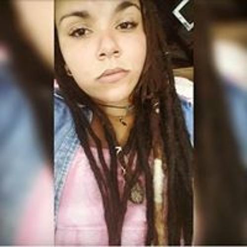 Raphaela Oliveira's avatar