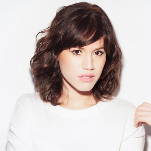 Luiza Braga's avatar